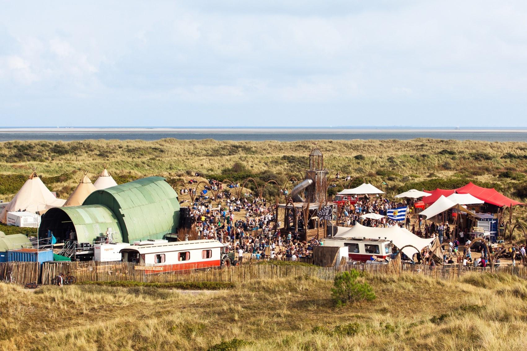 Het festivalterrein als mini-maatschappij